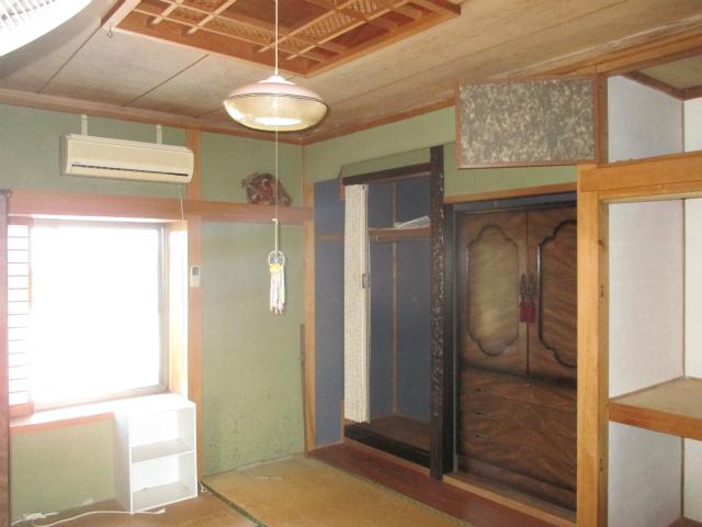 既存は二階には珍しい立派な和室が設えてありました。