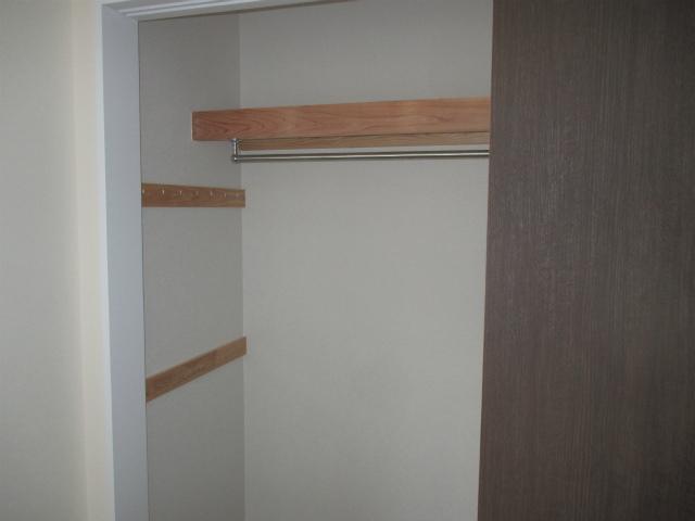 収納の中は枕棚にハンガーラック、壁面収納の仕様に決定です。